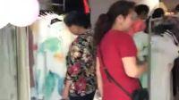 门庭若市的佰莉衣橱女装店,等待您的光顾!