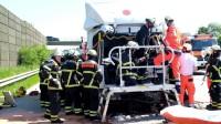 20160606 LKW Unfall auf der BAB1  ein Fahrer eingeklemmt