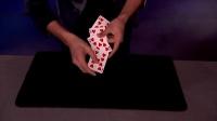 美国达人秀首位华裔夺冠,纸牌魔术技惊全场