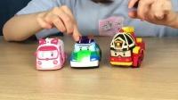 《小伶玩具》变形警车珀利洗车场过家家亲子游戏