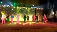 横峰县老年大学。旗袍秀形体班。在县艺术中心晚会演出。 😊