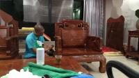 梅州红木家具打腊保养第一段,梅州华固教学视频剪切,液体腊跟固体腊效果对比.,