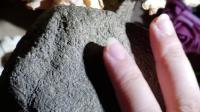 莫西沙翡翠场口分为5个土层,每个土层的原石特征不一样