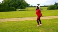 厉害了!中国女足挑战20米高空球 吴海燕梅西附体完美卸球