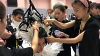 化妆师林萍是《第43 届亚洲发型化妆大赛》的评委