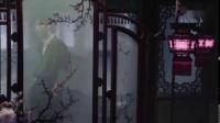 陈立农解锁嘉人POP首刊封面,是风度翩翩的古风农农,在雕栏画柱间尽显陌上公子风度