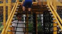 宝宝和姥姥,舅舅妈妈在公园爬爬梯,勇敢的宝贝#20200607-2y7m17d-10/11#
