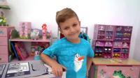 萌娃小可爱送给妹妹一座漂亮的玩具城堡,只希望她不要影响自己学习,可惜还是失败了!