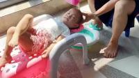 宝宝之前洗头总是哭,有了这个洗头躺椅宝宝就可乖了。