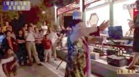 激情在滨河公园群唱舞蹈《雕花的马鞍》玉渊潭激情唱响