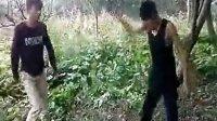 【安全防卫网】实拍四学生竟如此凶残的殴打一同学