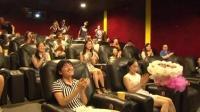 电影院里一幕惊呆了求婚视屏