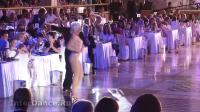 迈克尔-及乔安娜-桑巴 - 2013年世界舞蹈明星表演