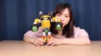 小伶玩具:超人气男孩玩具机器战士大战TOBOT变形金刚 美国队长