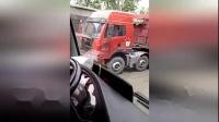 山西河曲大货车与警车相撞 两警务人员死亡1人受伤