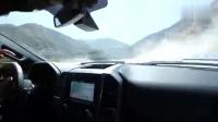 跑车志:福特猛禽陷入了沙坑,车主一点都不着急