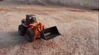 挖掘机玩具 挖掘机挖沙子装车