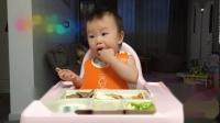 【朱耿耿日食记12M29D】晚餐:西葫芦➕白萝卜➕炒蛋白➕鸡翅➕香蕉松饼➕黑胡椒猪肉饼