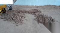 挖掘机挖孔桥台背土创造