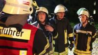 Feuerwehr Halberstadt Baum auf Pkw _ eingeklemmte Person Ü