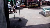 (2); (五里亭)2018.8.6日钰拍;! 五里亭水果批发菜市场处;小马要回杭州,在南宁常玩地方留念视频!VID_20180806_115731