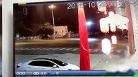 我在交通事故合集20181029: 每天10分钟车祸实例, 助你提高安全意识截了一段小视频