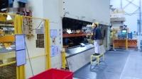 埃斯顿机器人在1600吨三次元中的应用