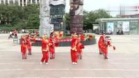 雪松广场舞队《大姑娘美》