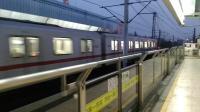 上海地铁1号线111号车莲花路站上行进站(富锦路站方向)
