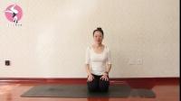 经常练习这个体式能够锻炼我们的膝关节,延展背部