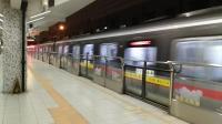 上海地铁1号线157号车外环路站上行出站(富锦路站方向)