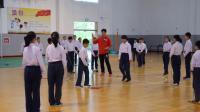 小學體育五年級《跨越式跳高》課堂教學視頻實錄-虞富