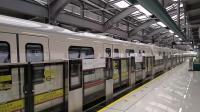 广州地铁14号线巧克力在赤草往广州火车站方向关门出站