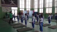 《仰臥推起成橋》一年級體育,劉春梅