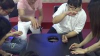 中医解晓丽老师奇氏阴阳针灸减肥现场手把手指导学员视频解说