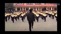 校长带学生跳鬼步舞 山西一所学校的老师带领同学们跳舞 真嗨
