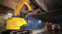 住友SH125X-7挖掘机在隧道工作