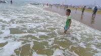 青岛 海边玩水