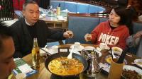 开心快乐一家人相聚在广州