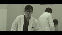 片名:屠夫小姐——1 女孩昏迷住院被4名男医生欺负,便苦练屠宰法,