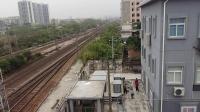 广铁株段的HXD1C型电力机车牵引货物列车从广州北站通过