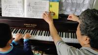 学琴一个月的儿子回课
