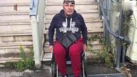 男子装残疾12年忘坐轮椅被揭穿,接受国家补助获利百万