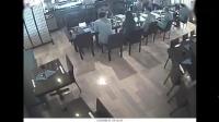 刘强东事件女方公布新视频 3小时全程坐在身边
