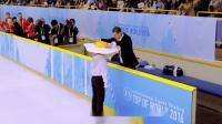 日本搞笑运动广告:想象你是颗荷包蛋,滑顺地在跳舞~