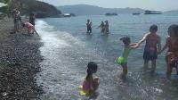 海边游泳 越玩越开心