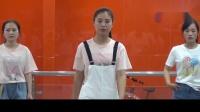 燕燕精品馆时装秀彩排视频
