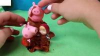 是佩帕皮和在西班牙跳进泥塘里玩玩具6
