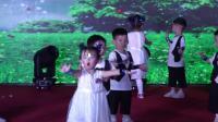 10. 舞蹈《蓝天下的爱》表演者:豆豆班 指导老师:黄苏荣 涂婷华