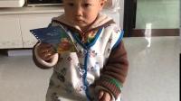 2岁小神童读书